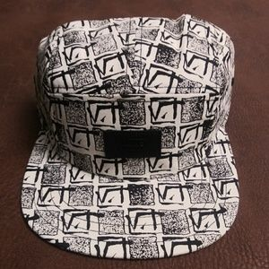c9c0da4a2f6 ... Meshed Snapback Hat  NEW  Vans Retro V Adjustable Strap Hat ...